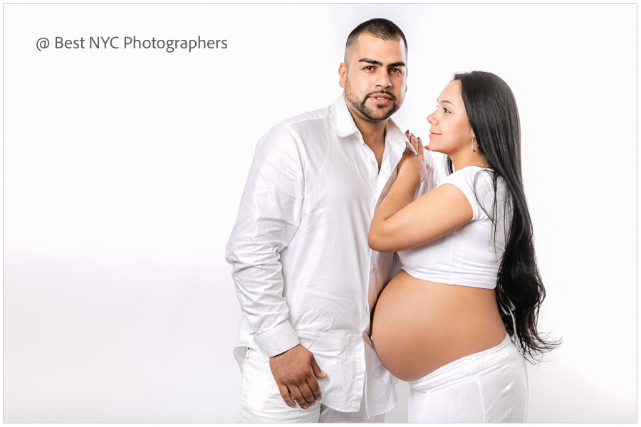 Maternity photography prices in New York City, NY. We offer the best newborn and pregnancy portrait packages on-location in Manhattan, NYC.